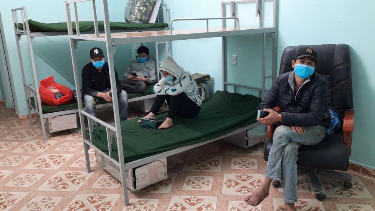 Phạm Văn Tr. và những người liên quan được đưa về cách ly tập trung tại cơ sở cách ly của huyện Tiên Yên