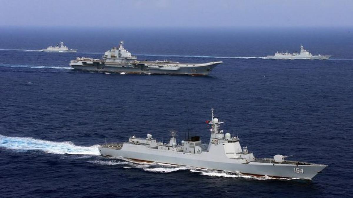 Các tàu chiến Trung Quốc trong một cuộc tập trận năm 2018. Ảnh: Reuters.