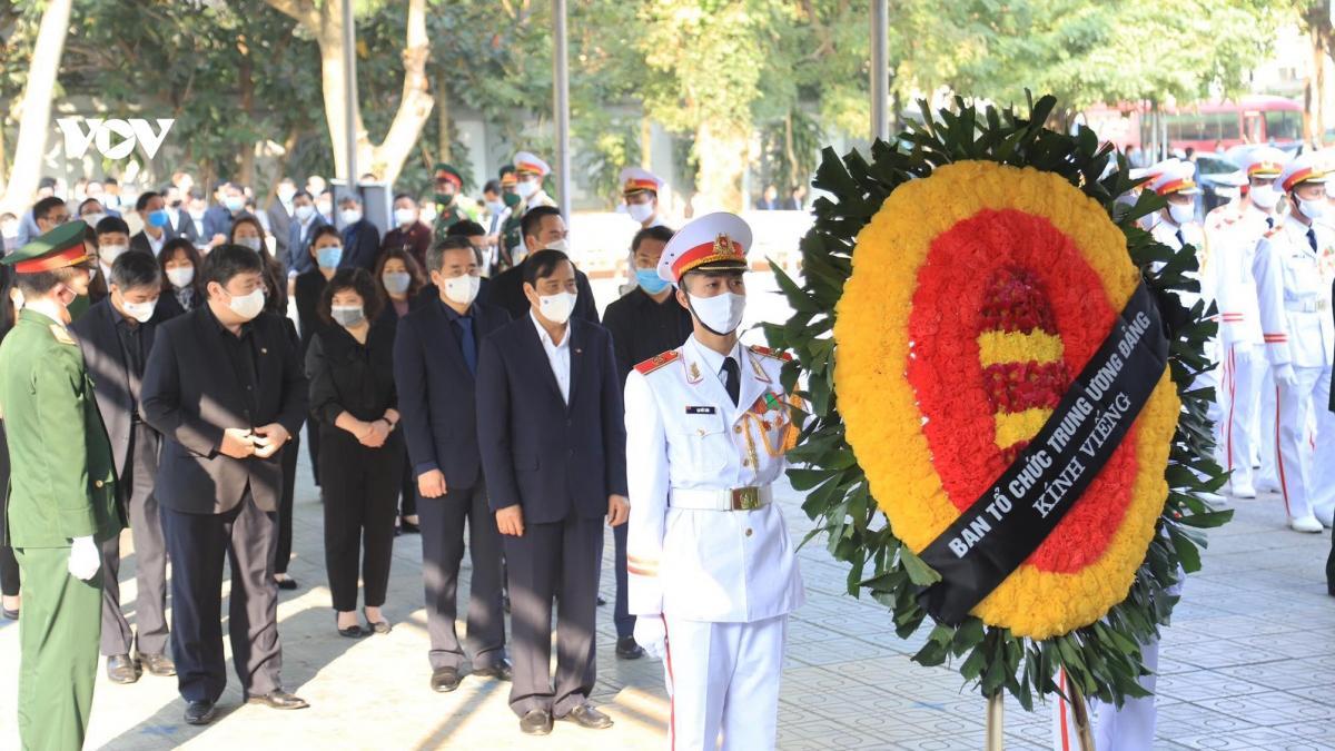 Các đoàn vào viếng đồng chí Trương Vĩnh Trọng tại Nhà tang lễ Quốc gia (Hà Nội)