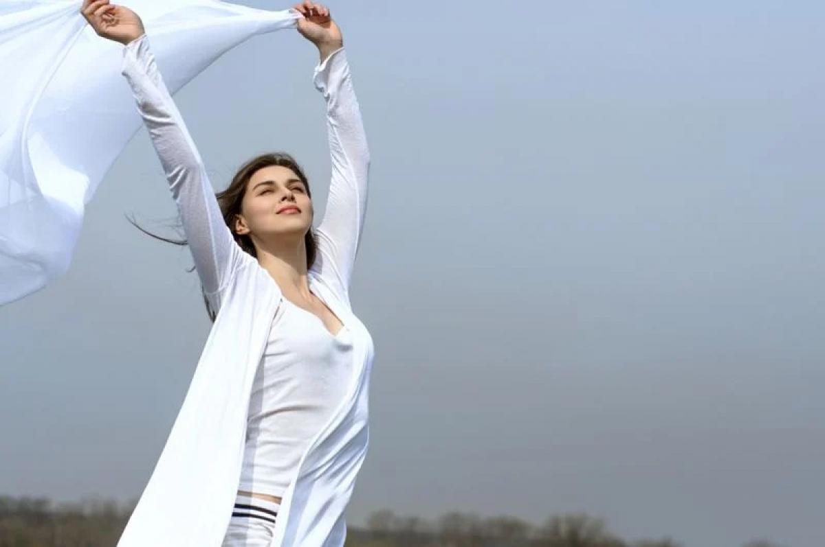 Mặc quần áo rộng: Một trong những nguyên nhân phổ biến gây viêm đường tiết niệu là do mặc quần áo bó sát, bí hơi. Nếu bạn buộc phải mặc quần áo bó sát vào ban ngày, hãy đổi sang quần áo rộng rãi, thoáng mát vào buổi tối.