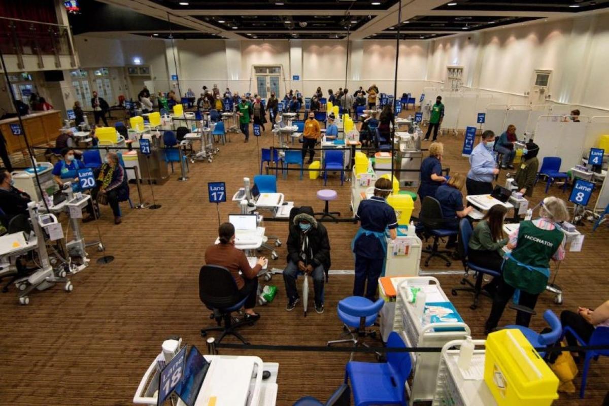 Trung tâm tiên vaccine Covid-19 ở Birmingham, Anh ngày 4/2. Ảnh: AFP