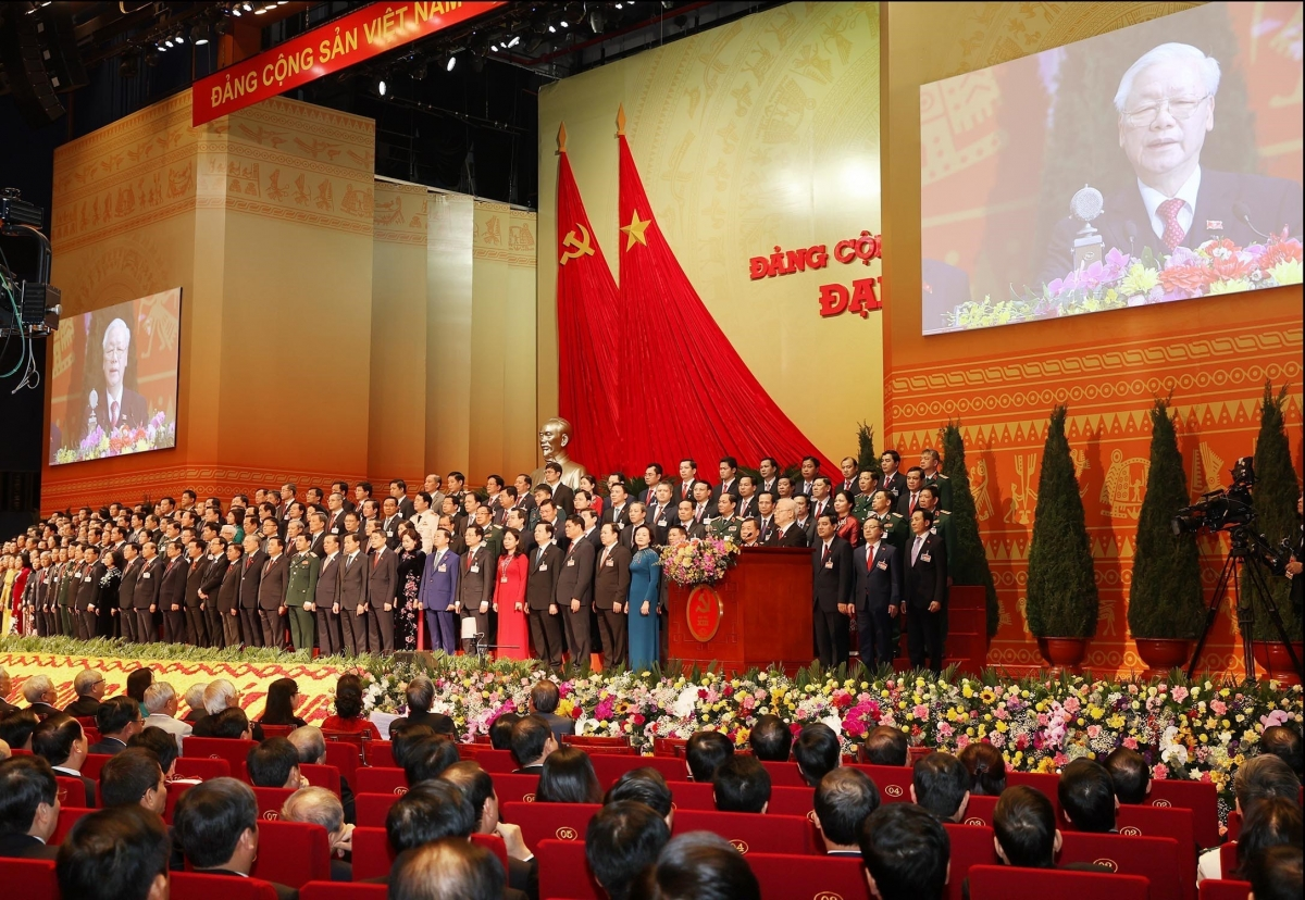 200 Ủy viên Ban Chấp hành Trung ương Đảng khóa XIII ra mắt Đại hội.