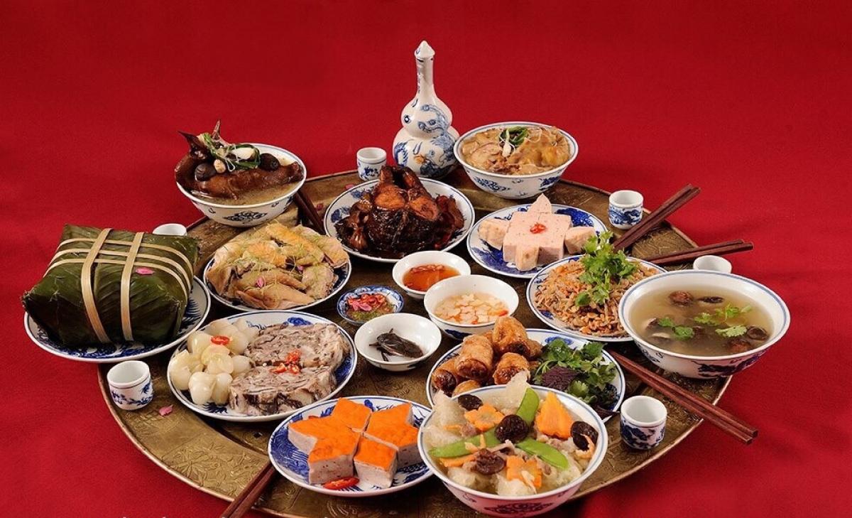 Nhiều món ăn truyền thống cúng rằm tháng Giêng không khác so với những ngày Tết.