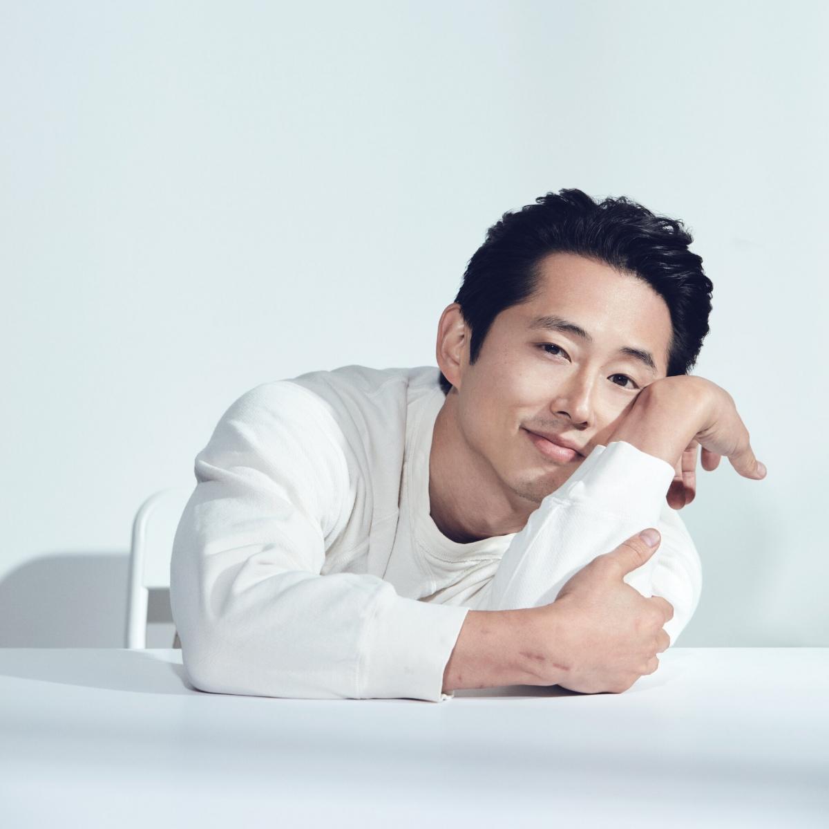 """Nam diễn viên""""Minari""""Steven Yeun."""