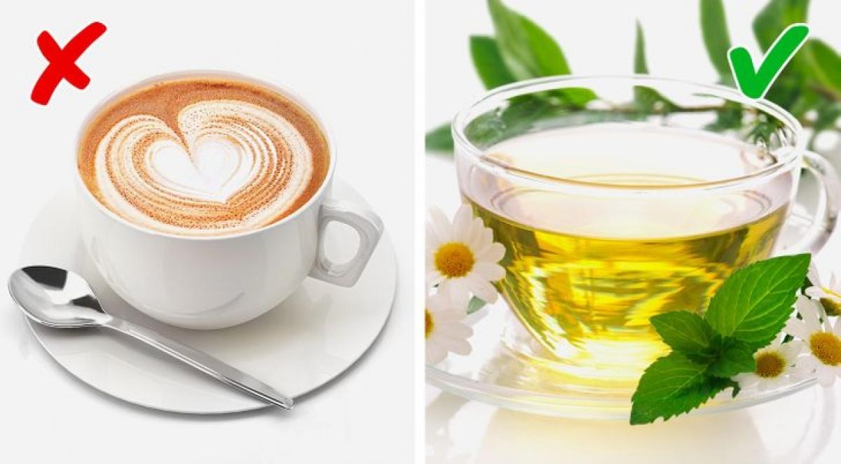 Trà thảo mộclà một nguồn cung chất chống oxy hóa tuyệt vời cho cơ thể. Do đó, khi cơ thể càng ít độc tố sẽ càng có mùi thơm.Mặt khác,cà phêhoặc bất kỳ đồ uống có chứa caffein có thể khiến cơ thể có mùi khó chịu.