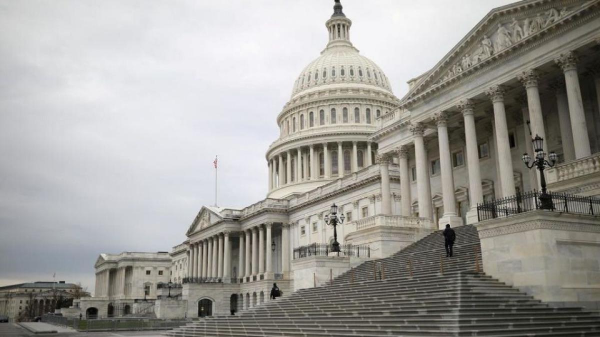 Hạ viện Mỹ phải hủy phiên họp vì tòa nhà Quốc hội có nguy cơ bị tấn công. Ảnh: Yahoo Finance