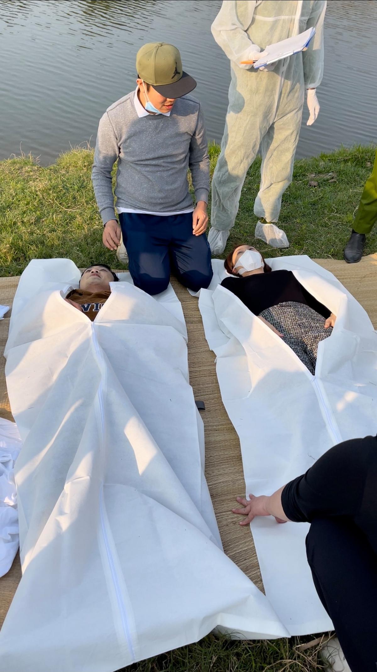 """Hậu trường phân cảnh Châu và Phúc nhảy sông tự tử trong """"Hướng dương ngược nắng""""."""