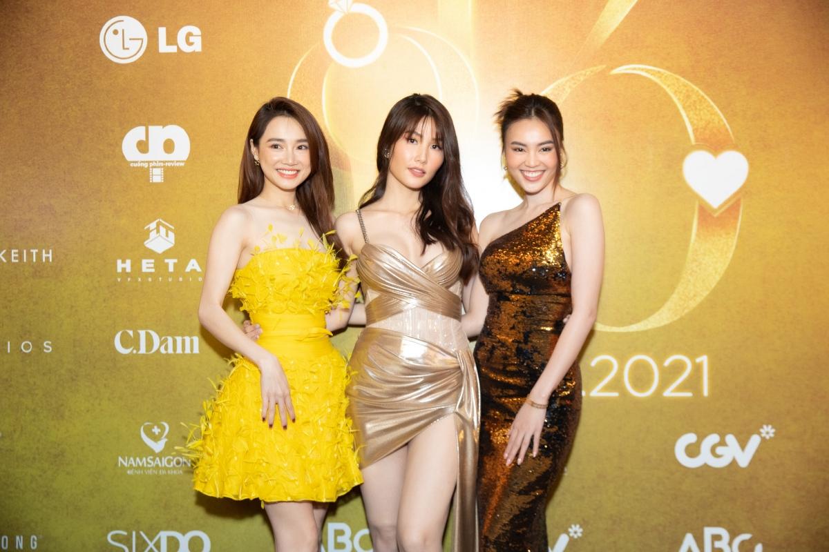 """Nhã Phương, Diễm My và Ninh Dương Lan Ngọc xinh đẹp tại họp báo phim """"1990""""."""