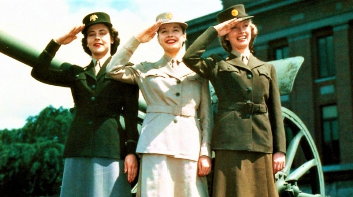 70 năm trước, phụ nữ Mỹ được huấn luyện để chiến đấu trên chiến trường là điều không tưởng; Nguồn: history.com