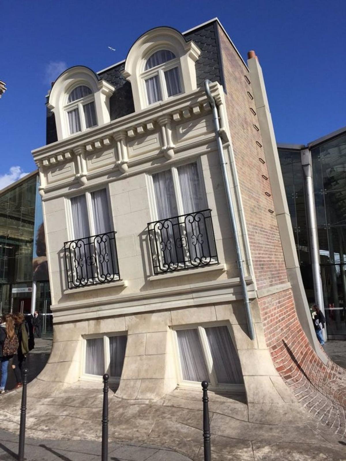 Căn biệt thực ở Paris, Pháp được thế kế với hình dáng như đang tan chảy.