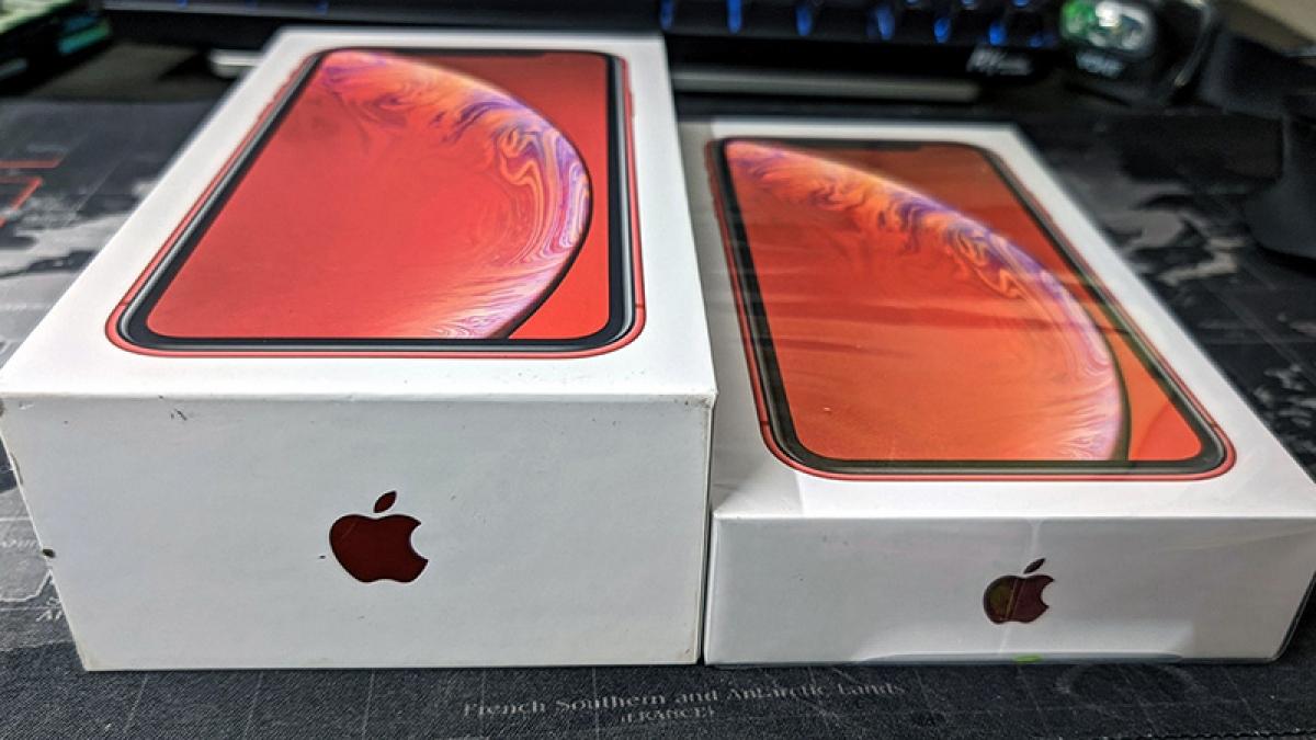 Hộp đựng iPhone 12 mỏng hơn so với các mẫu trước đây sau khi cắt giảm bộ sạc.