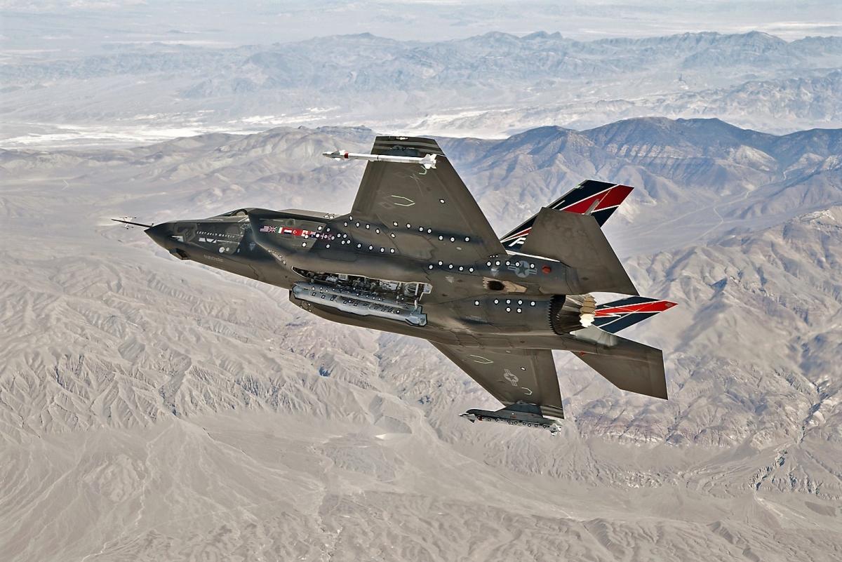 Thất vọng với F-35, Không quân Mỹ được cho đang tìm một máy bay chiến đấu thế hệ thứ 4,5 hoặc 5 để thay thế những chiếc F-16 đang có trong trang bị. Nguồn: medium.com