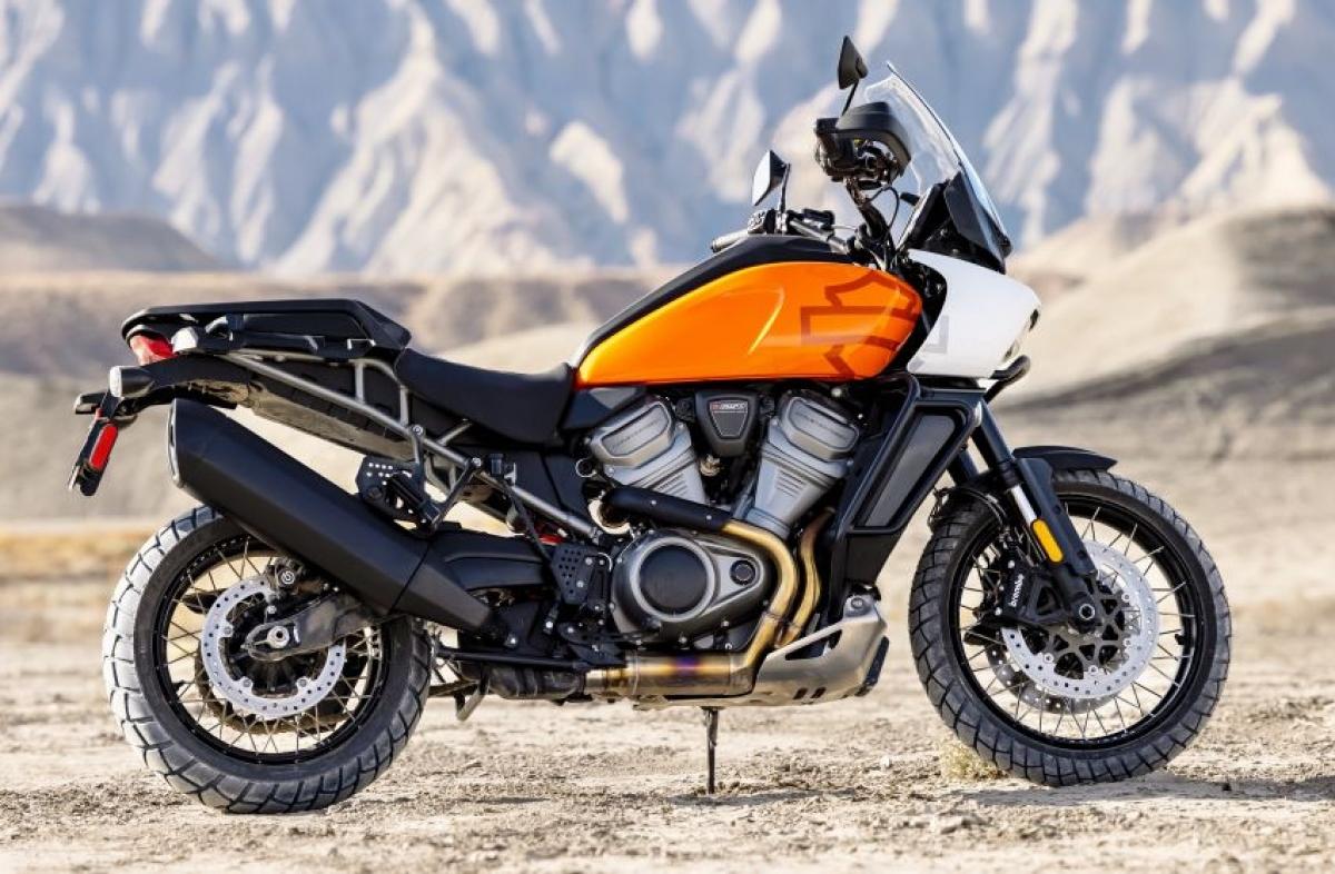 Sức mạnh đến từ khối động cơ V-twin Revolution Max 1250 dung tích 1.250cc của HD sản sinh công suất 150 mã lực và mô men xoắn 127 Nm với công suất đỉnh ở vòng quay 9.500 vòng/phút.