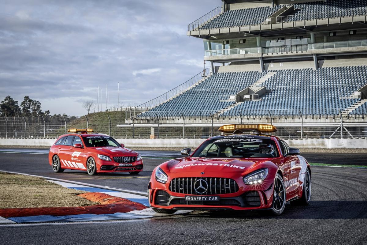 """""""Trong những năm gần đây, FIA đã cải thiện sự an toàn của xe đua Công thức 1 rất nhiều. Dẫu sau, tai nạn là điều không thể hoàn toàn tránh khỏi và đó cũng là lúc mà chúng ta thấy được sự quan trọng của đội ngũ chuyên viên đường đua và sự phụ thuộc vào xe an toàn và xe y tế"""" - ông Phillip Scheimer, CEO của Mercedes-AMG cho biết."""