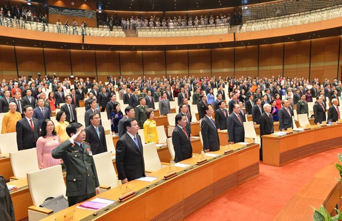 Lãnh đạo Đảng, Nhà nước và các Đại biểu Quốc hội làm Lễ chào cờ tại Phiên khai mạc Kỳ họp thứ 11, Quốc hội khóa XIV.