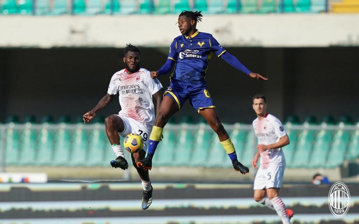 Sau bàn mở tỷ số, AC Milan duy trì thế trận giằng co trước khi ghi bàn kết liễu Verona trong hiệp 2.