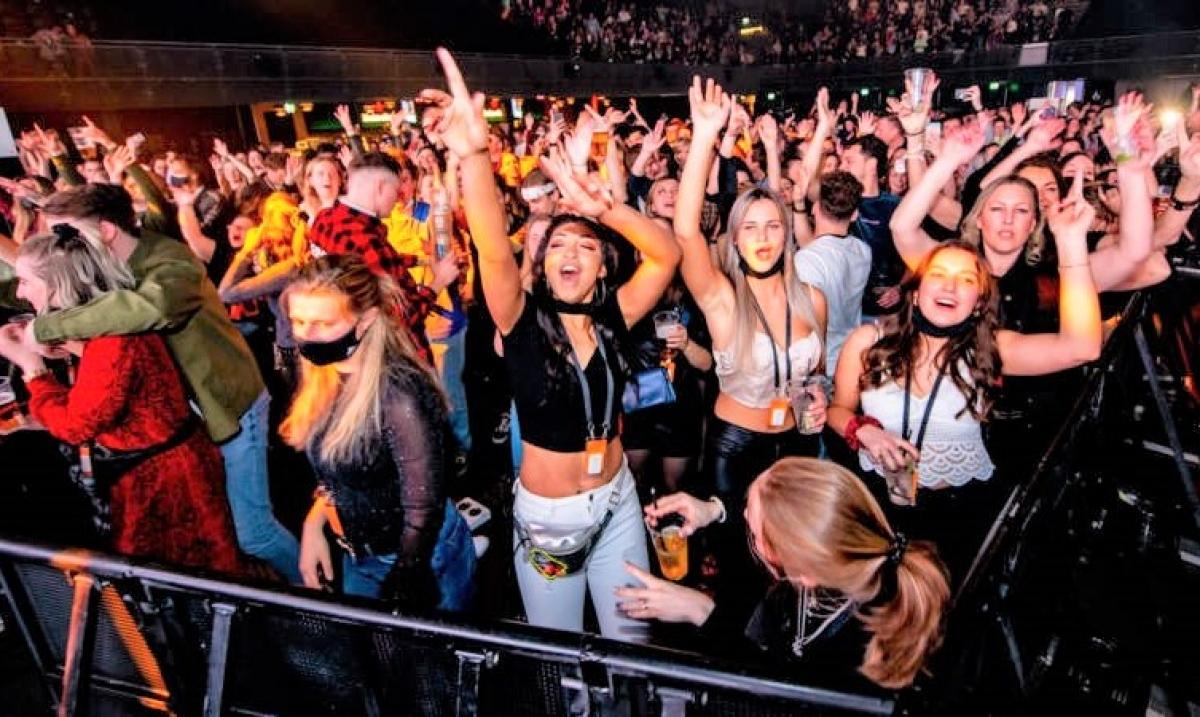 Tại sự kiện, một số nhóm được khuyến khích hò hét và cổ vũ hết sức có thể; Nguồn: varone.nl