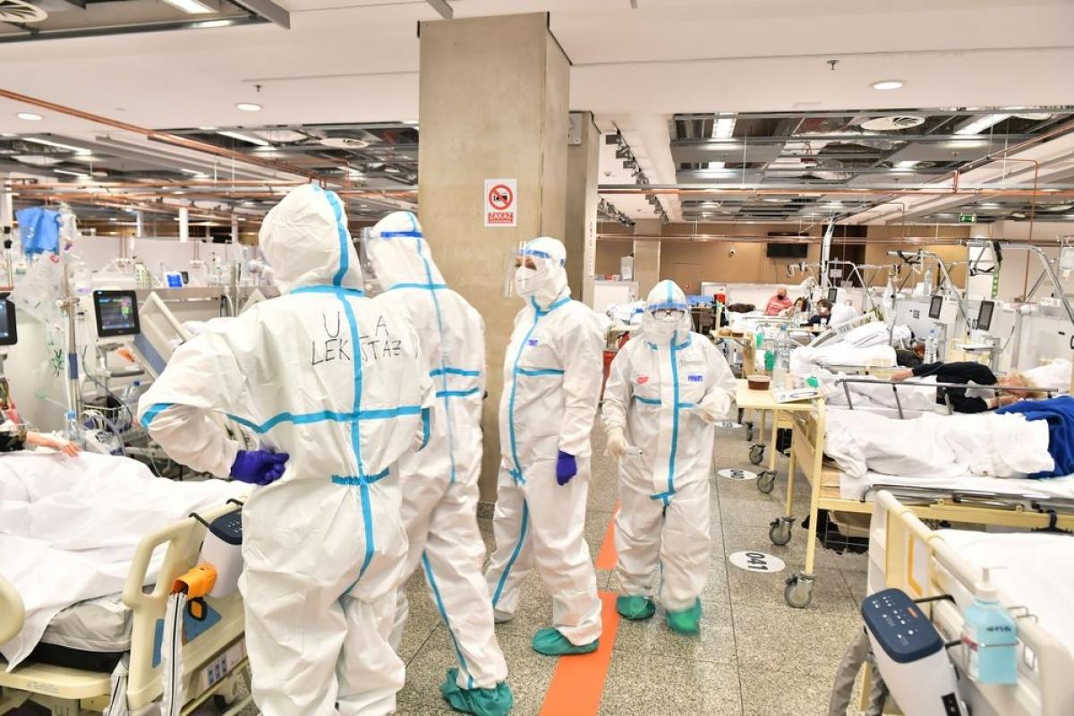Một số bệnh viện của Ba Lan đang trong tình trạng kín giường.