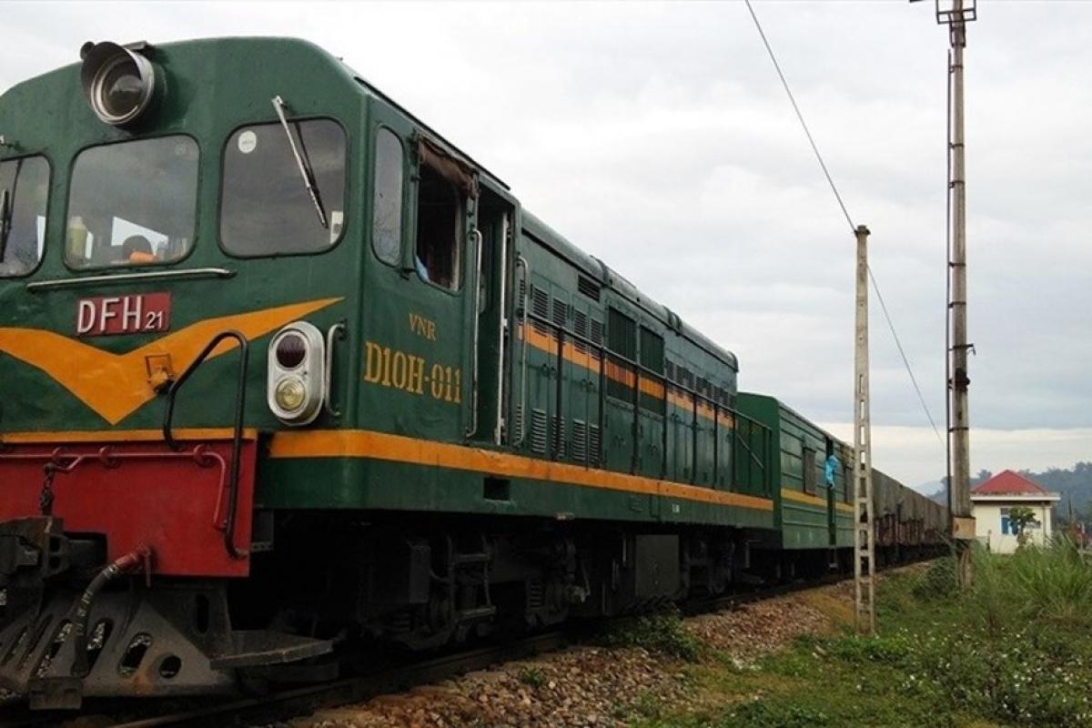 Dù toa tàu có đẹp, có hiện đại đến đâu nhưng chạy trên hệ thống đường ray hàng trăm năm thì rất khó hiệu quả.