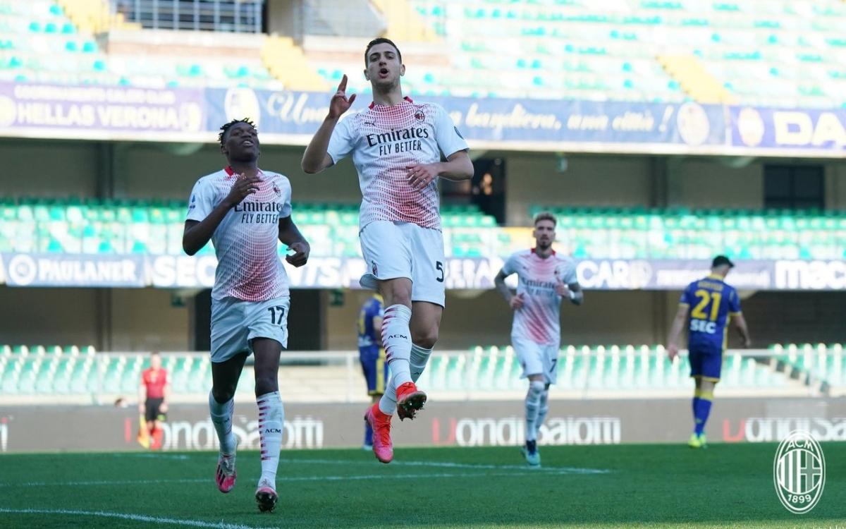 Diogo Dalot là cầu thủ đang chơi cho AC Milan theo dạng cho mượn từ MU.