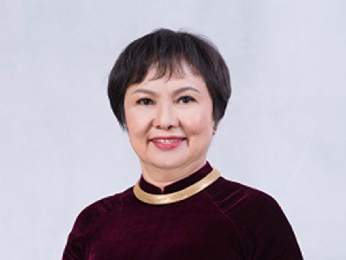 4. Cao Thi Ngoc Dzung, CEO of Phu Nhuan Jewelry JSC Born in 1957, Dzung is chairwoman and CEO of Phu Nhuan Jewelry JSC (PNJ) and was also voted by Forbes as one of the most powerful businesswomen in Asia. Under the leadership of Dzung, the PNJ brand has recorded several great achievements in both domestic and foreign markets. In particular, the quality and standards of their diamond testing unit is on par with the standards of the GIA -Gemological Institute of America.