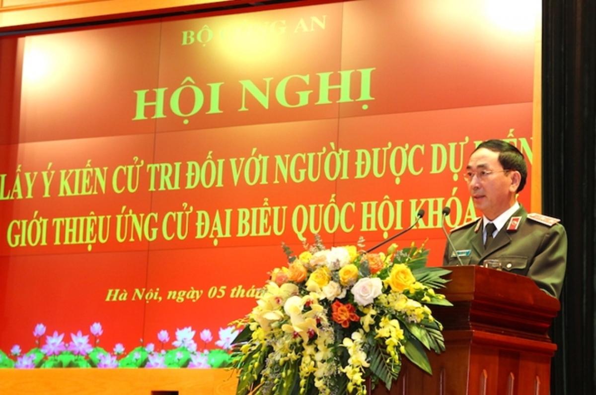 Thứ trưởng Trần Quốc Tỏ phát biểu tại hội nghị.