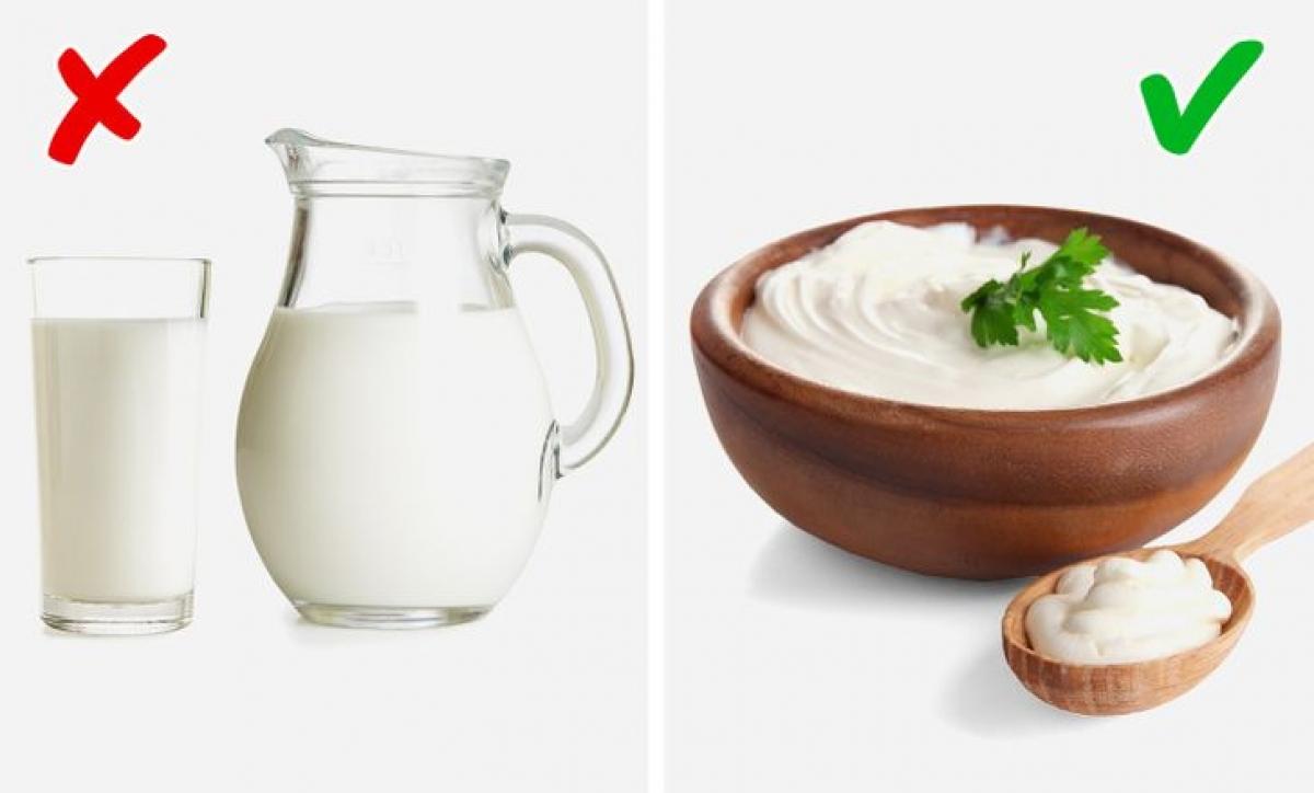 Cùng có nguồn gốc từ sữa, nhưng sữa chua lại làmgiảm lượng hợp chất sulfit gây mùi cơ thể.Ngoài ra, vitamin D có trong sữa chua giúp chống lại vi khuẩn có trong miệng, làm giảm hôi miệng.Trong khi,sữacó chứacholinecó thể cơ thểcó mùi khó chịu.