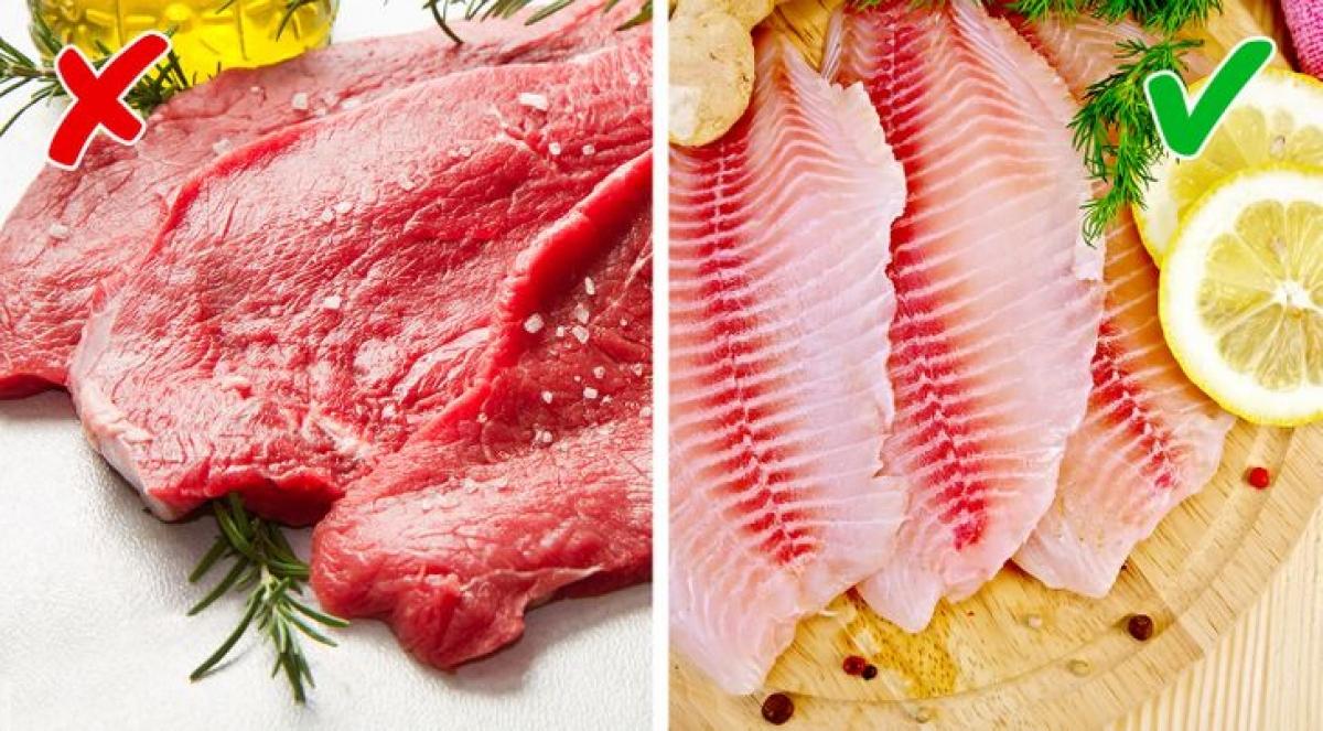Một nghiên cứu cho thấy, phụ nữ cảm nhận mùi cơ thể của những người đàn ông ăn kiêng không thịt đỏ trong hai tuần hấp dẫn và dễ chịu hơn. Còn khi tiêu hóa cá, cơ thể không toả các mùi khó chịu tương tự như trong quá trình chuyển hóa thịt đỏ.Vì vậy, nếu có kế hoạch hẹn hò thì bạn nên chọn món cá.