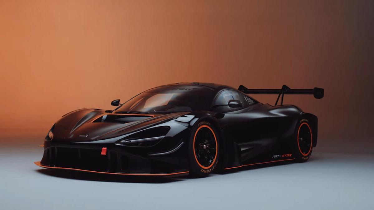 Đối với nguyên mẫu McLaren 720S GT3, hơn 90% của 720S GT3 được cải tiến so với bản thương mại. Ngoại thất được làm bằng sợi carbon và vật liệu tổng hợp, chưa kể đến bộ khuếch tán được đặt riêng, kết cấu sàn mới, và cánh gió lớn phía sau. Hệ thống treo cũng đã được làm lại với thiết kế mới về hình khối cho khu vực sau xe, cùng với đó là bộ giảm xóc cùng lò xo điều chỉnh ở cả bốn bánh xe.