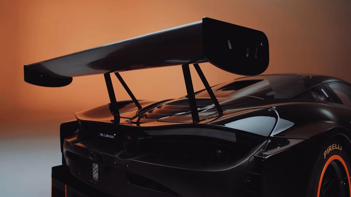 Xe được trang bị bộ chia mở rộng phía trước và bộ khuếch tán phía sau được sửa đổi so với 720S GT3 nguyên bản. Xe vẫn được trang bị thống treo tiêu chuẩn trên những chiếc 720S GT3 nguyên bản, tuy nhiên nhằm phù hợp hơn với hiệu năng của xe, thương hiệu đã trang bị cho xe hệ thống phanh mới.