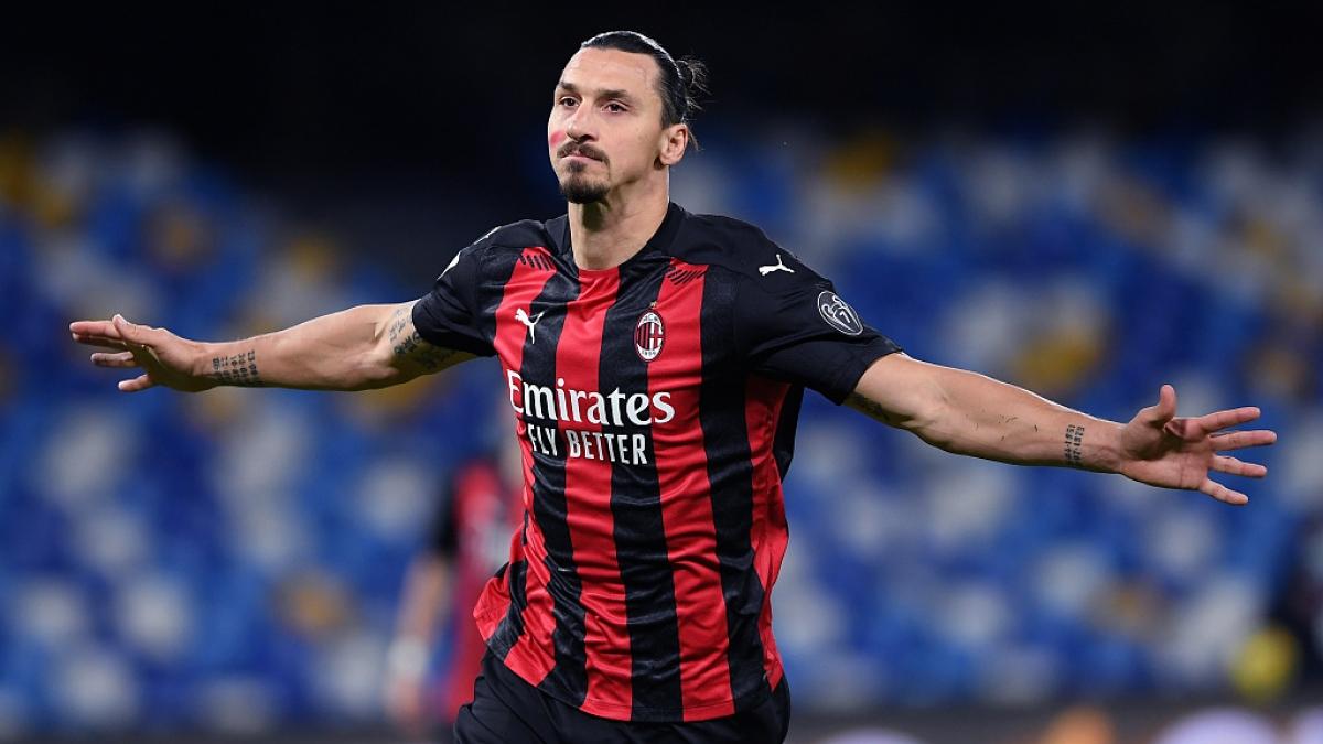 Ibrahimovic bỏ lỡ trận lượt đi giữa MU và Milan vì chấn thương cơ đùi. (Ảnh: Getty).