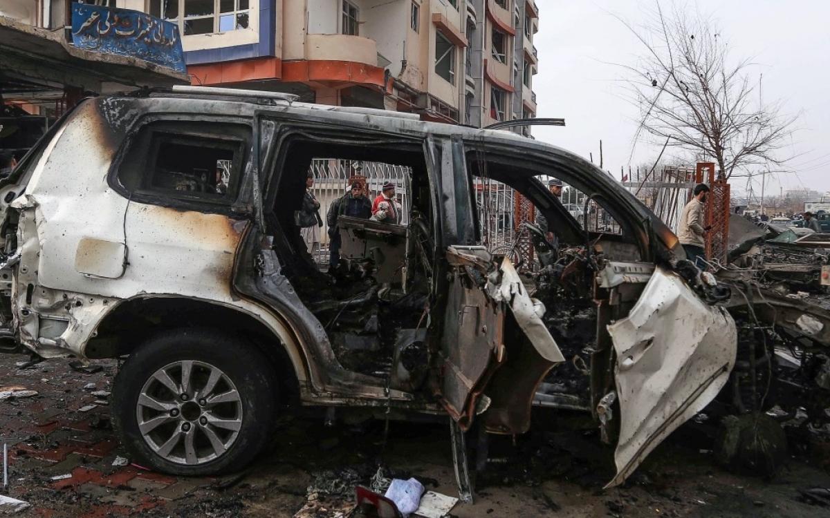 Hiện trường một vụ đánh bom ở thủ đô Kabul, Afghanistan. Ảnh: Al Jazeera.