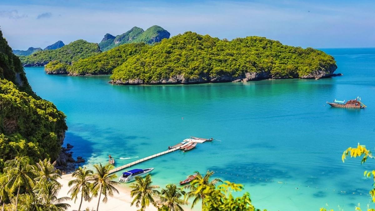 Covid-19 đang làm kinh tế Thái Lan thất thu và các quy định kiểm dịch được cho là đang bóp chết ngành du lịch Thái Lan; Nguồn: travelagewest.com