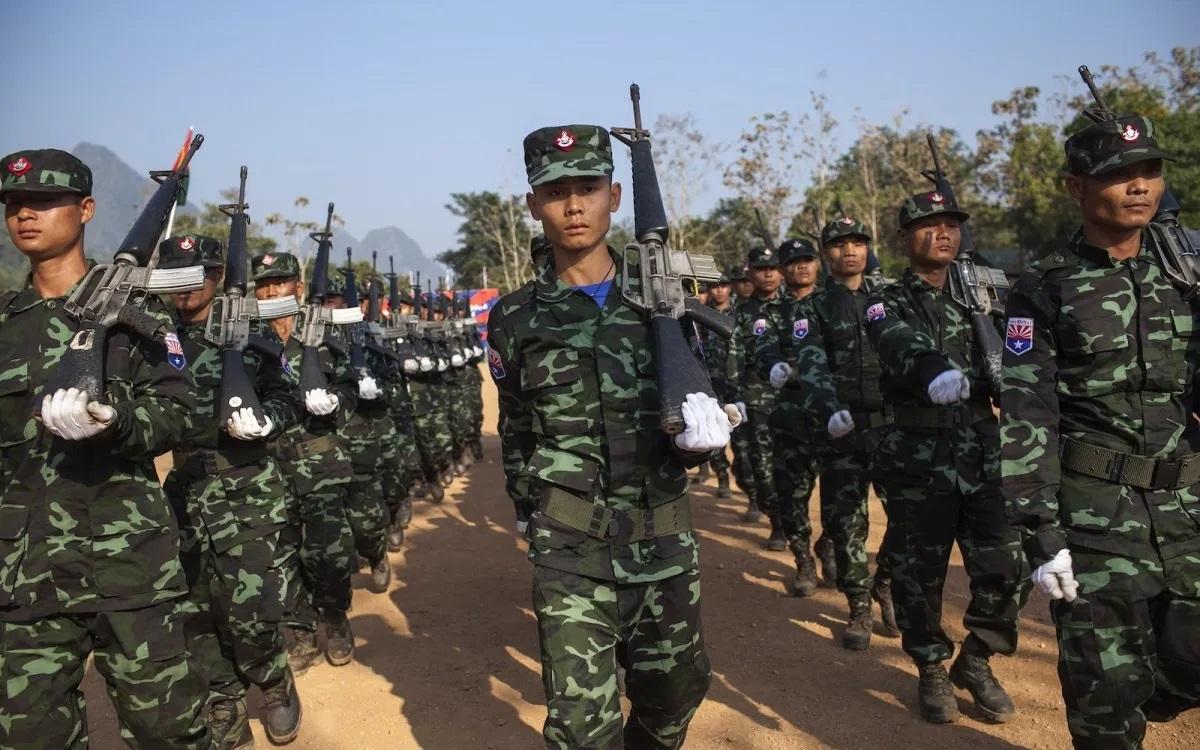 Một đơn vị của Quân đội Giải phóng Quốc gia Karen – cánh vũ trang của Liên minh Quốc gia Karen (KNU) ở Myanmar. Ảnh: AFP.