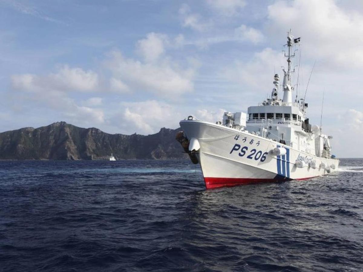 Tàu tuần duyên Nhật Bản tại quần đảo Senkaku/Điếu Ngư hồi năm 2013. Ảnh: Reuters