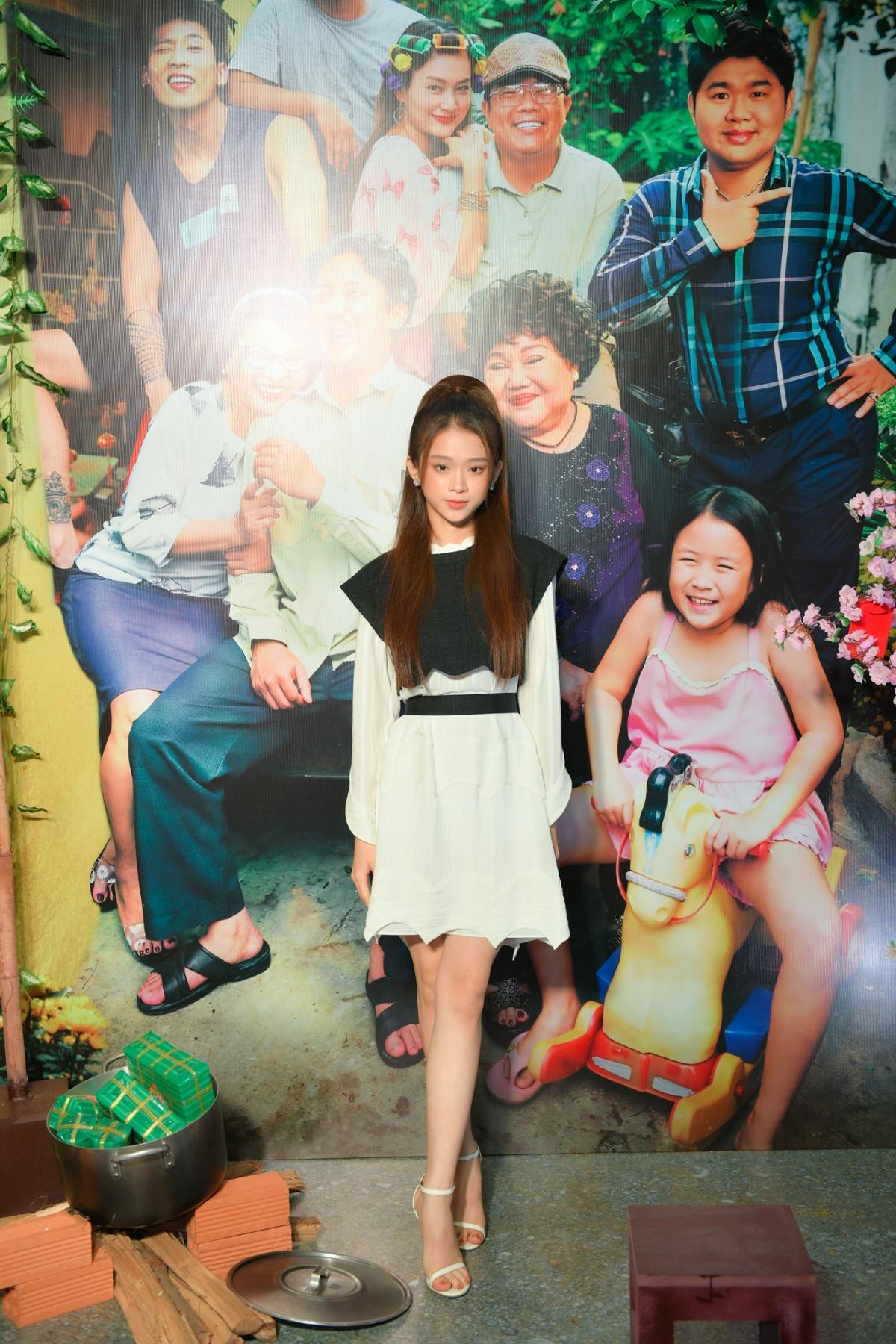 Hotgirl Linh Ka xinh xắn như công chúa./.