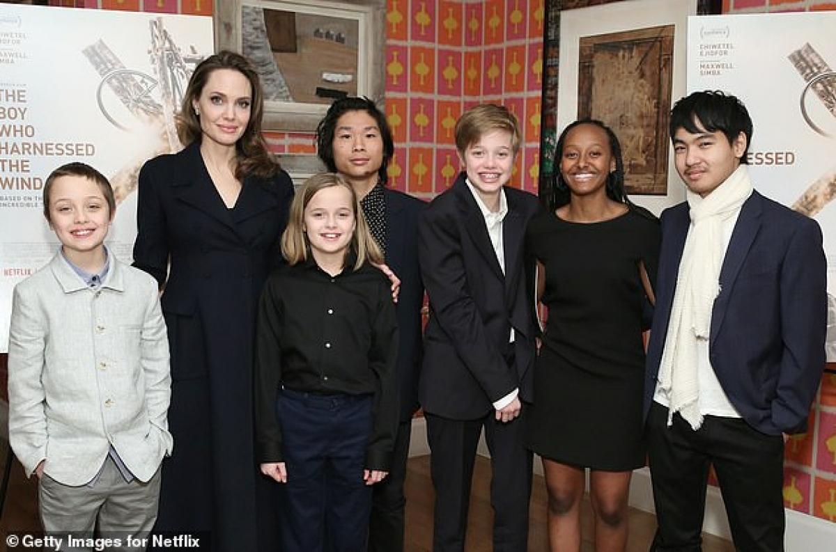 Trong thời gian này, Angelina Jolie tích cực viết bài cho tạp chí, viết sách, làm phim tài liệu cho trẻ em và phỏng vấn quảng bá phim./.