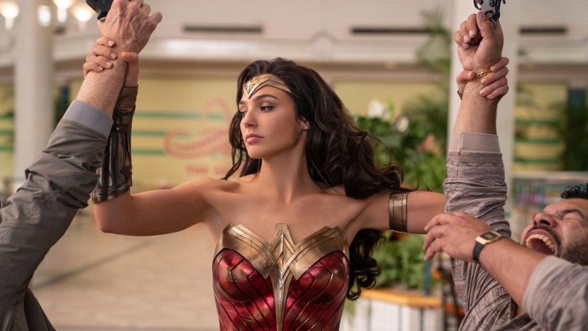 Bộ phim Wonder Woman 1984 được phát hành song song tại rạp và trên nền tảng trực tuyến. Nguồn: Warner Bros