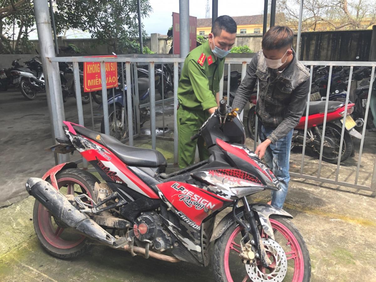 Chiếc xe máy mà Giang đã điều khiển gây nên vụ tai nạn.