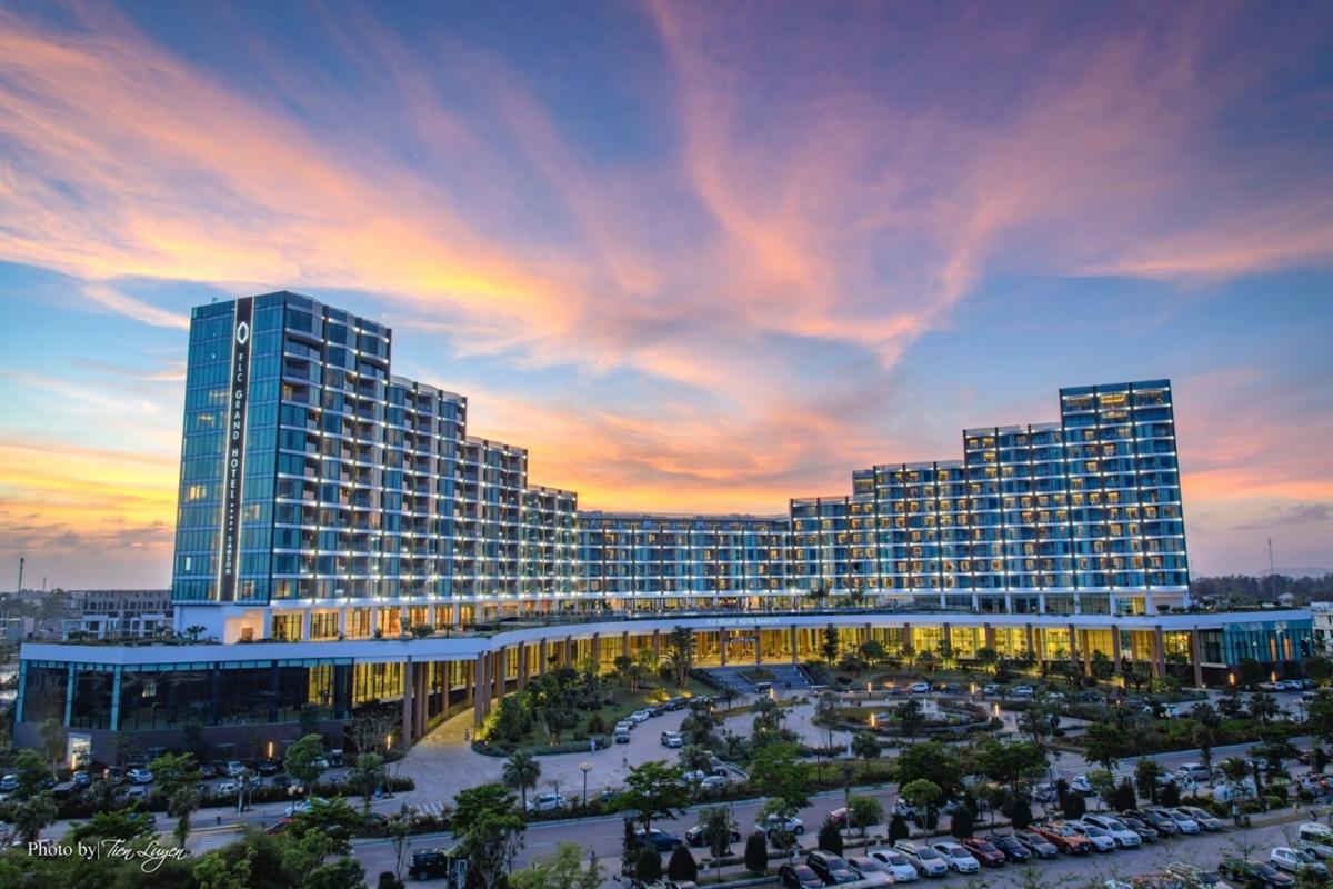Khu nghỉ dưỡng FLC Sầm Sơn kín khách trong dịp 30/4 hàng năm.