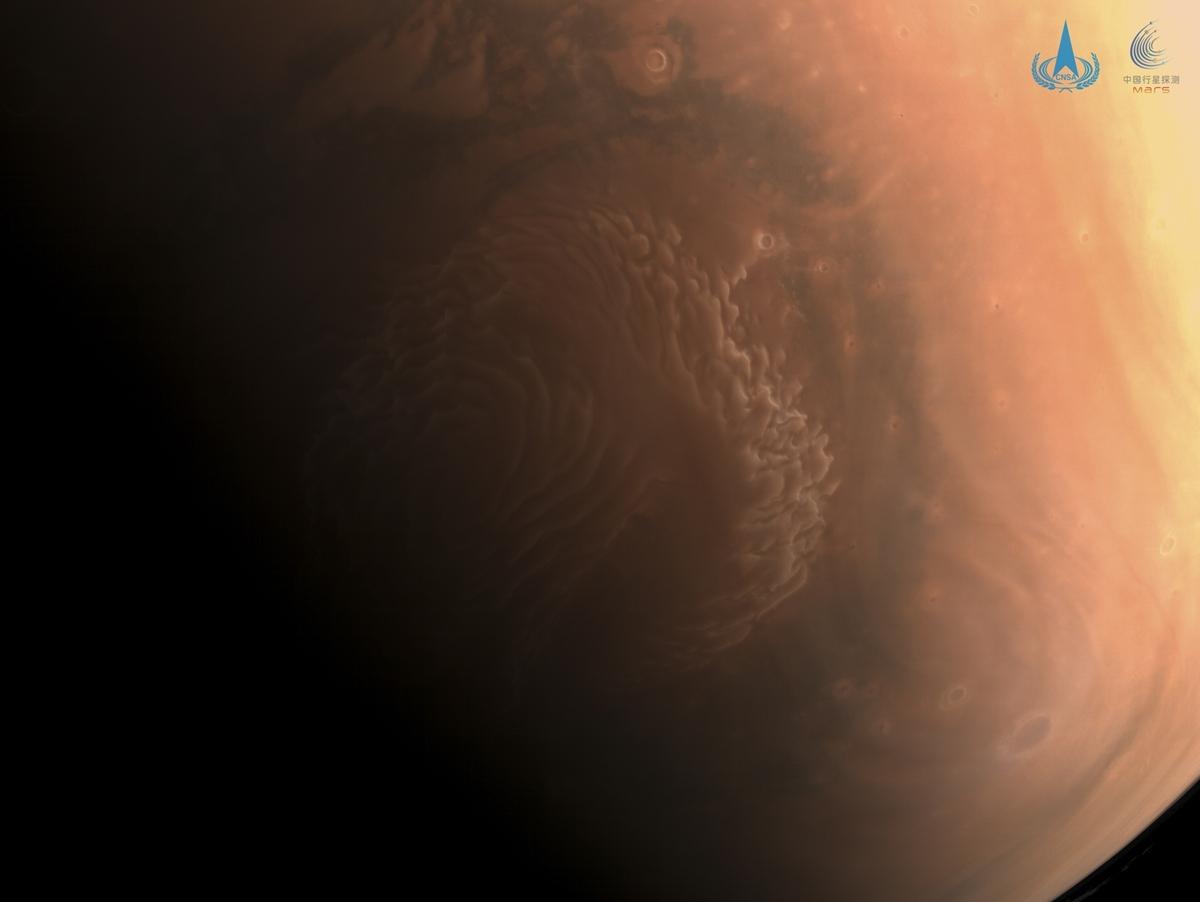 Ảnh màu về sao Hỏa. Ảnh: CNSA