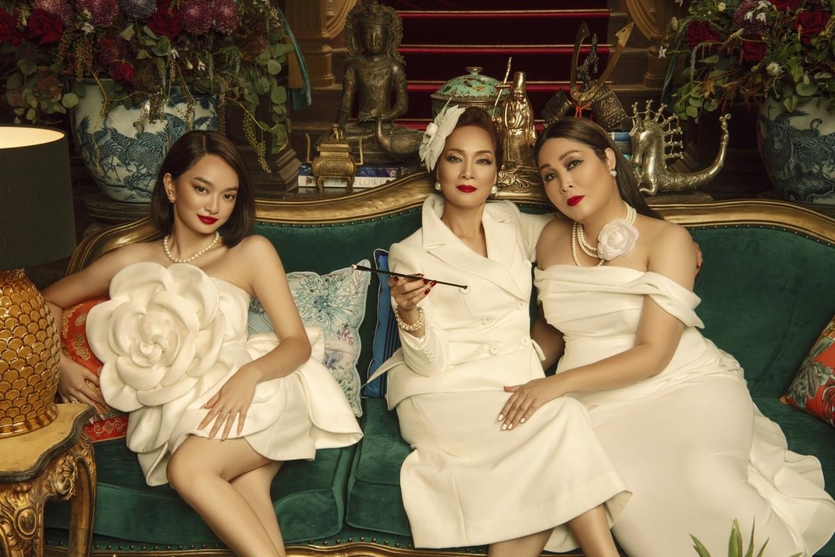 Lý Lệ Hà (NSND Lê Khanh), Lý Lệ Hồng (NSND Hồng Vân) và Lý Linh (Kaity Nguyễn).