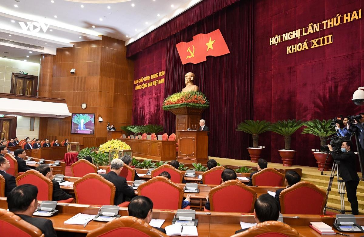 Về việc giới thiệu nhân sự lãnh đạo cấp cao của các cơ quan Nhà nước, Ban Chấp hành Trung ương đã dân chủ thảo luận, xem xét kỹ lưỡng, lựa chọn phương án hợp lý nhất trong điều kiện có thể và đã đạt được sự nhất trí rất cao.
