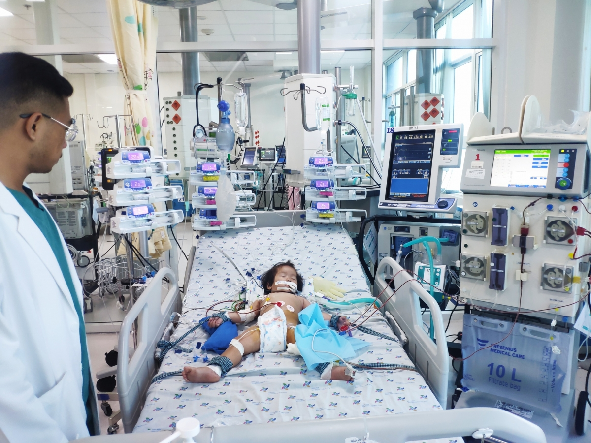 bệnh nhi đã thoát cơn nguy kịch (Bệnh viện cung cấp)