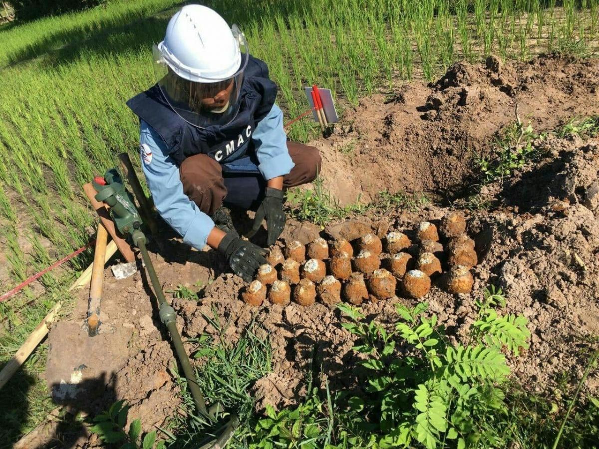 Năm 2020, Campuchia đã xử lý gần 6.000 quả bom chùm. Ảnh: CMAC