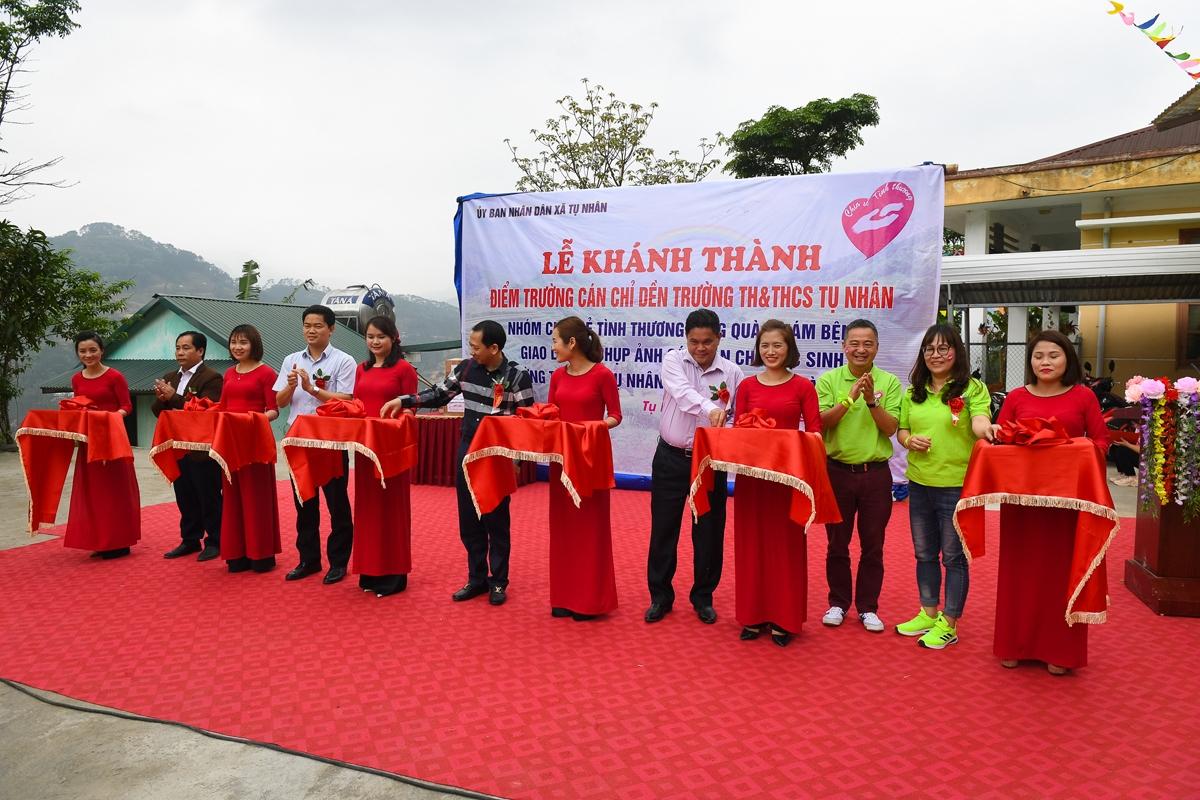 Mới đây, nhóm thiện nguyện Chia sẻ tình thương phối hợp với chính quyền địa phương, Trường TH&THCS Tụ Nhân tổ chức khánh thành điểm trường Cán Chỉ Dền (xã Tụ Nhân, huyện Hoàng Su Phì - Hà Giang)