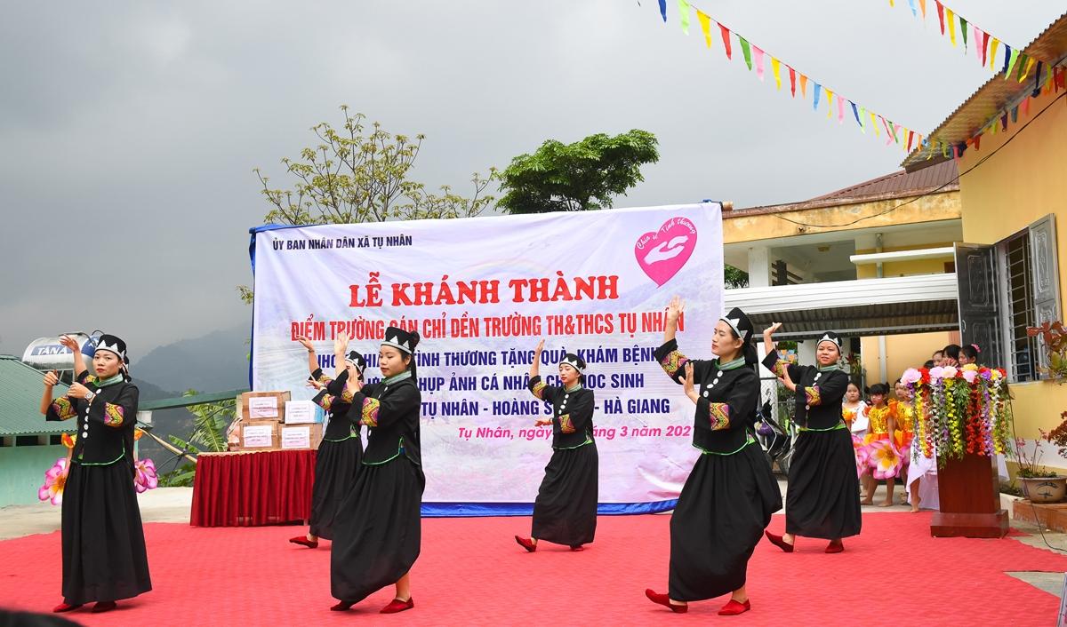 Buổi lễ khánh thành được tổ chức như một ngày hội vui, gồm nhiều hoạt động ý nghĩa