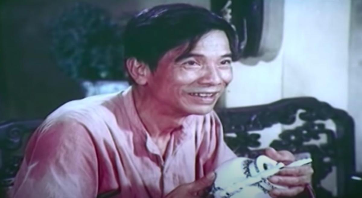 """NSND Trần Hạnh trong phim """"Chiếc bình tiền kiếp""""."""