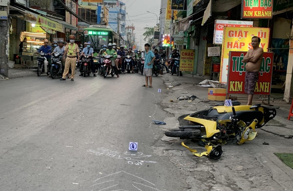 Hiện trường vụ tai nạn trên địa bàn quận 12, TPHCM