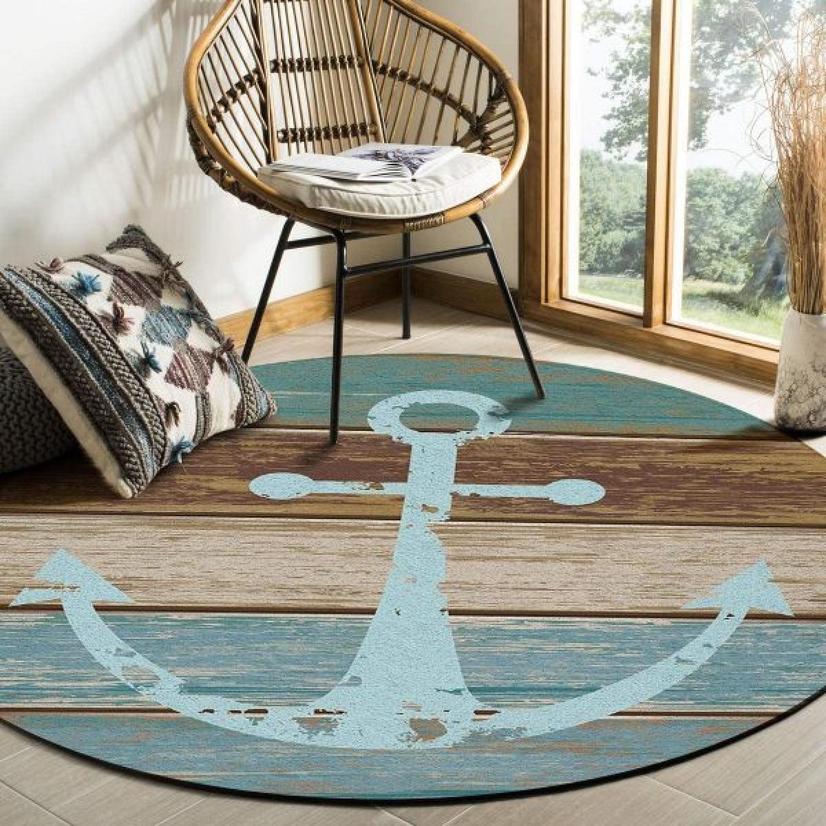 Vải thảm được làm từ sợi tổng hợp, chống trượt, chống bám bẩn. Nó cũng không dễ phai màu, lý tưởng trong mọi điều kiện khí hậu.